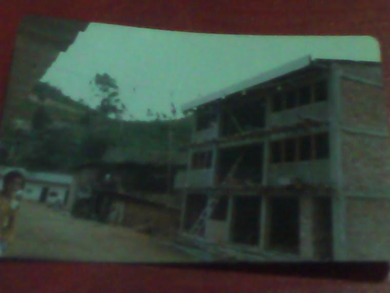 Contrucción de la casa de la Familia Cambizaca