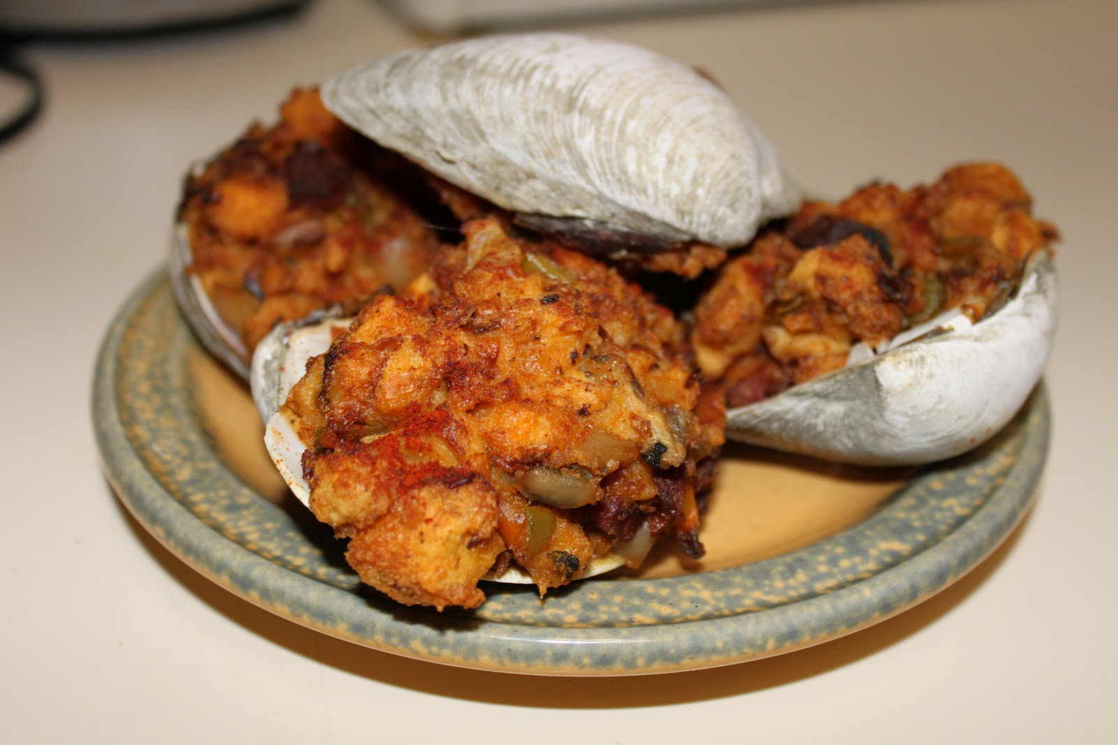 ... Coffee Table Diner: Maryland's Attempt at Portuguese Stuffed Quahogs