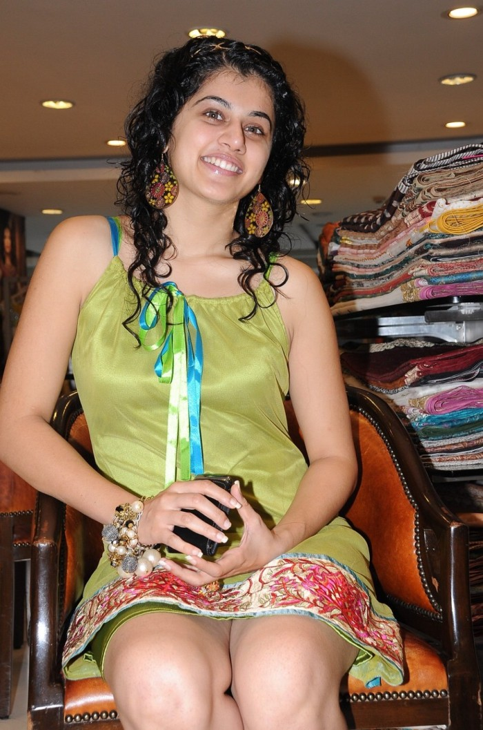  Tapsee Puri Cute Photoshoot