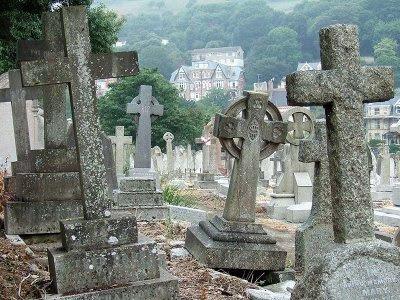 Juego: traeme una imagen - Página 3 Cementerios
