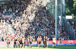 Imagens - SC Freiburg : St. Pauli