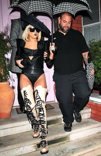 Gagaqueennews Gaga To Appear In Eight Different Places In