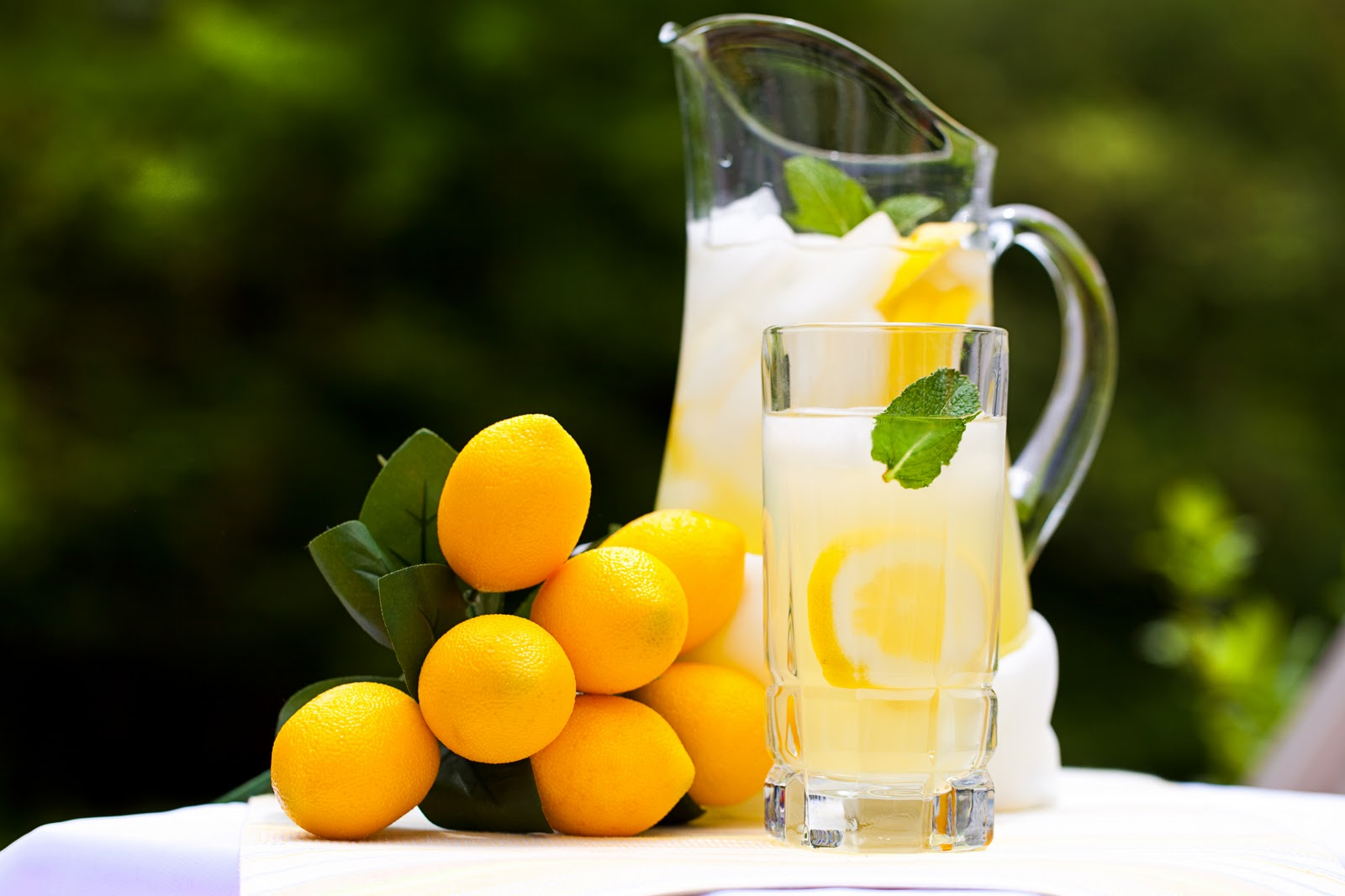 Refreshing LemonadeImages Of Lemonade