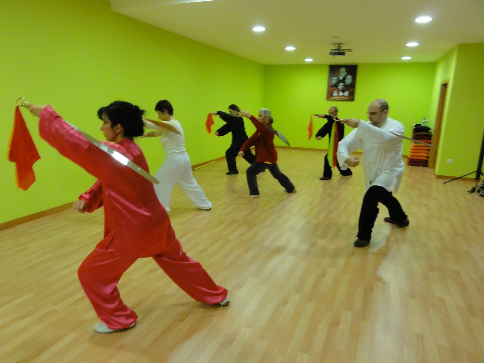 chi kung energia sa de e vitalidade especializa o em yang tai chi dao sabre da yong nian. Black Bedroom Furniture Sets. Home Design Ideas