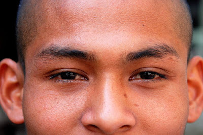 Buddhist monks are both chaste and celibate.  Some of them have nice eyes.