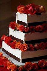 [bolo+marrom,+vermelho+e+branco.jpg]