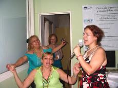 INCLUIR. Bailando y cantando en la Fiesta de Fin de Año con Claudia, Yuly y Ema.