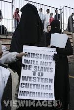 Hijaab/Niqaab - Muslim Women v's Non Muslim Women