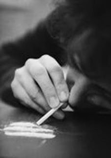 http://3.bp.blogspot.com/_fGPhsHPMjAk/SlAr6wLx0oI/AAAAAAAAANA/5Da7HFL52BU/s400/cocaina.jpg