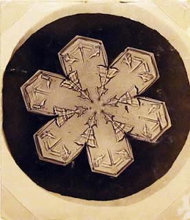 fotomiografia17 feita por wilson a bentley de um floco de neve_cristal de neve