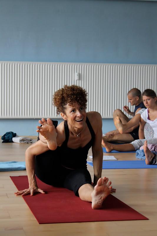 Kakasana beim Yogaworkshop mit Desiree Rumbaugh Eye of the tiger