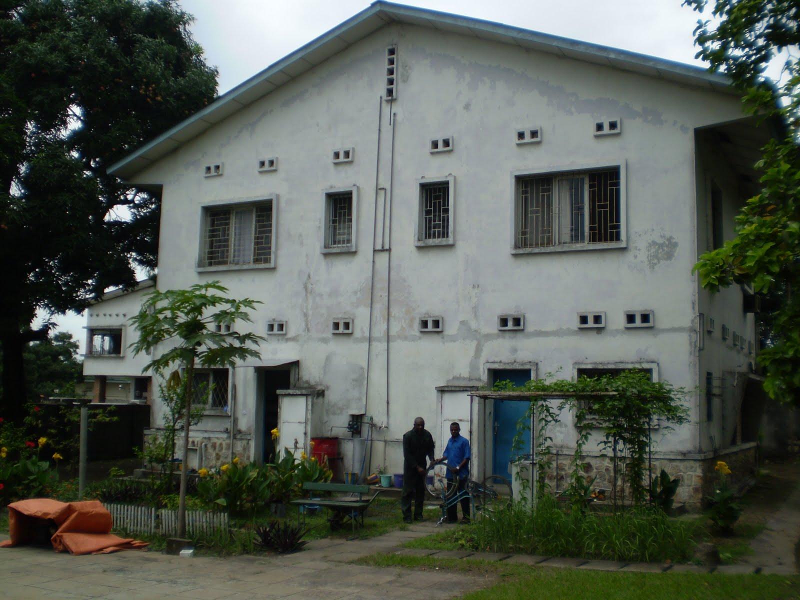 District svd de kinshasa maison provinciale 1991 for Maison provinciale