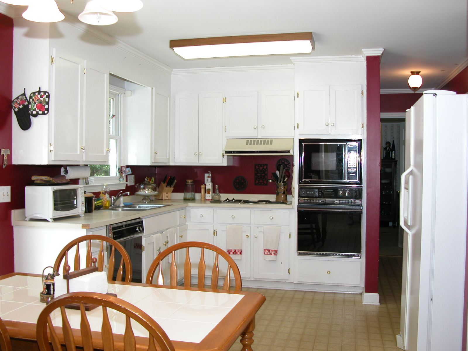 Before & After...a 1980\'s Kitchen gets a makeover
