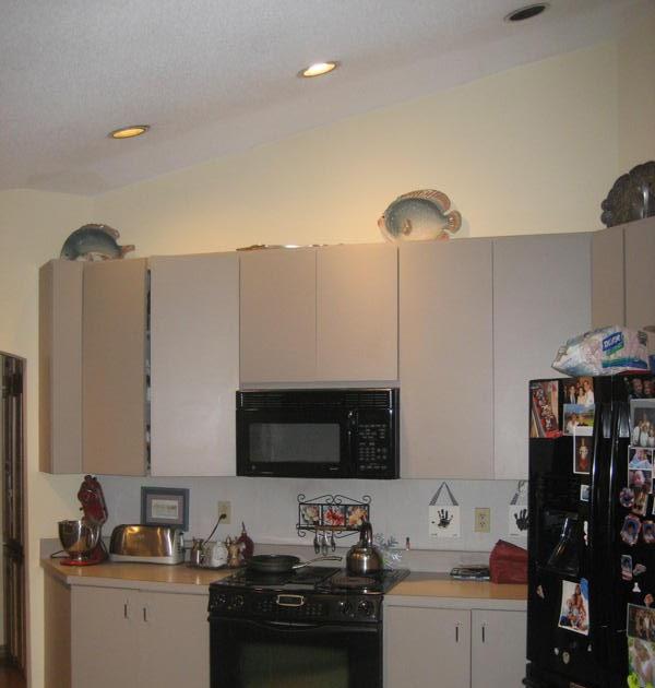Kustom home design a contemporary kitchen gets a modern for Kustom kitchen designs