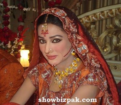 Pakistani Showbiz : Mehwish Hayat - On The Sets Pics