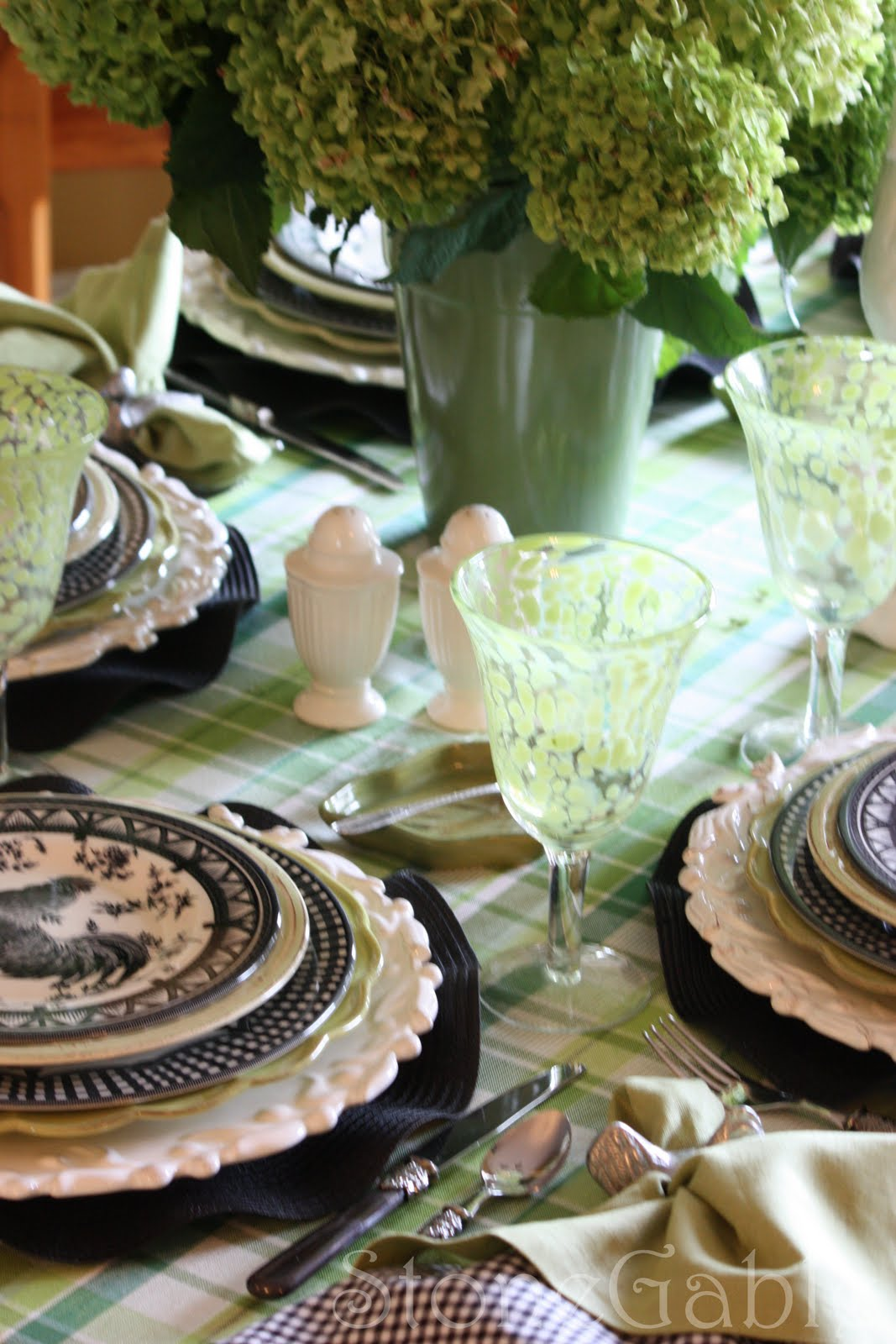 A Little French Rooster Tablescape