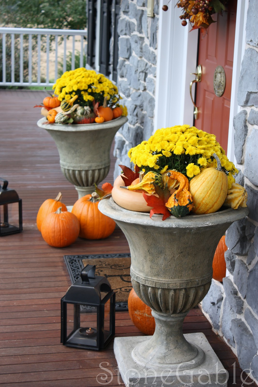 Outdoor fall decor stonegable for Pictures of fall decorations for outdoors