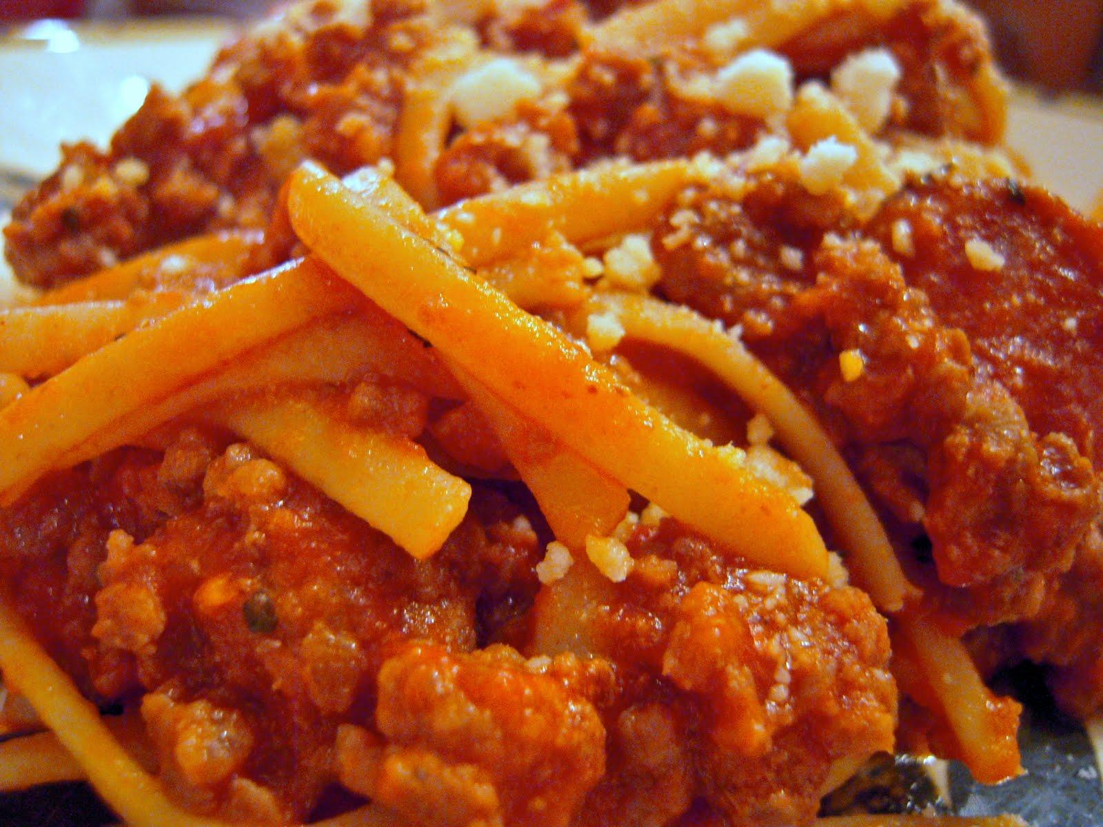 Easy Spaghetti Bolognese - Plain Chicken
