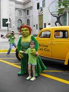 Universal StudiosSingapore with kindness! (princess fiona universal studios)