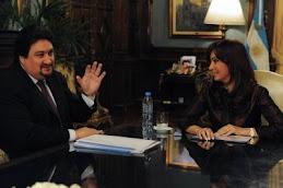 Cristina recibe al gbernador de Misiones y Catamarca
