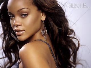 Rihanna | Hot Girl