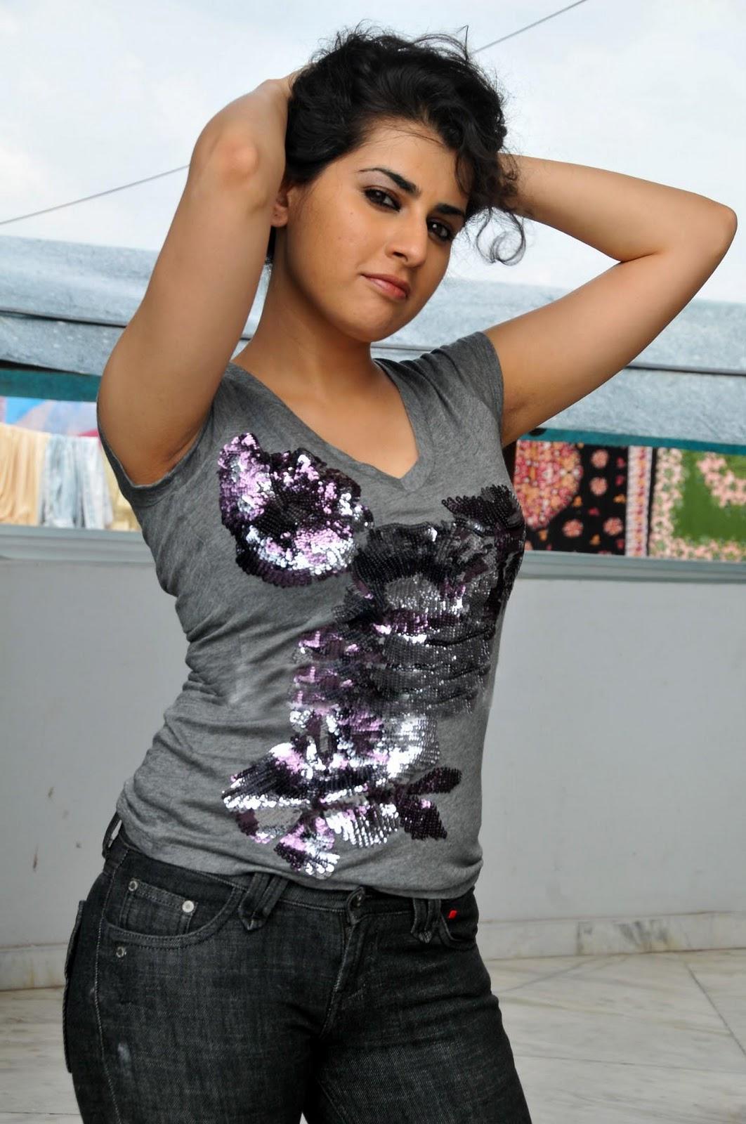 http://3.bp.blogspot.com/_fP1y4T5-DFE/TPnbsR2Zn3I/AAAAAAAAEe4/sB5SvbsousM/s1600/Archana-Veda-Hot-Photo-Shoot-8.jpg