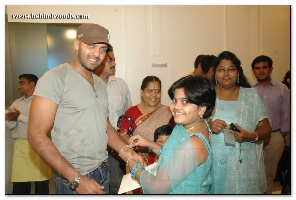 arya l actor arya l naan kadavul l tamil actor l tamil