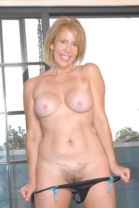 Naked granny hairy saggy pussy picture