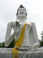 Buddha just behind the Sai Kaew Beach resort