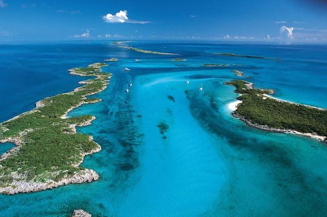 Площадь - всего 60 гектаров, относится к багамским островам