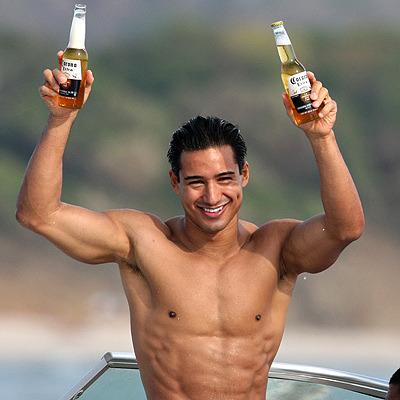 HOT BODYBUILDER AND GYMNASTS BLOG: Mario Lopez (actor)