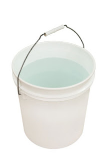 Aquarium bucket for water changes