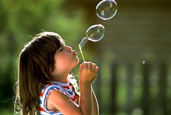 http://3.bp.blogspot.com/_fWgWhDLSgwU/TNvjAvMtERI/AAAAAAAAAAM/QjPPQjhhuY4/s1600/felicidade_bolhas.jpg