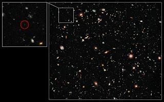Fotografía del Hubble de UDFy-38135539, la galaxia que posee el récord de distancia