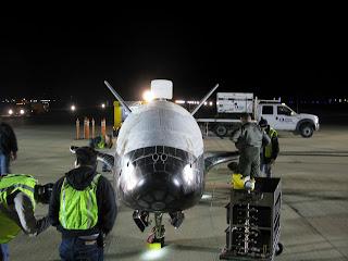 Fotografía de X-37B después del aterrizaje