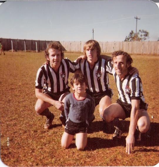 Manos e sobrinho em 1978