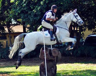 Guega Fofanoff representa o Brasil nos Jogos Equestres Mundiais
