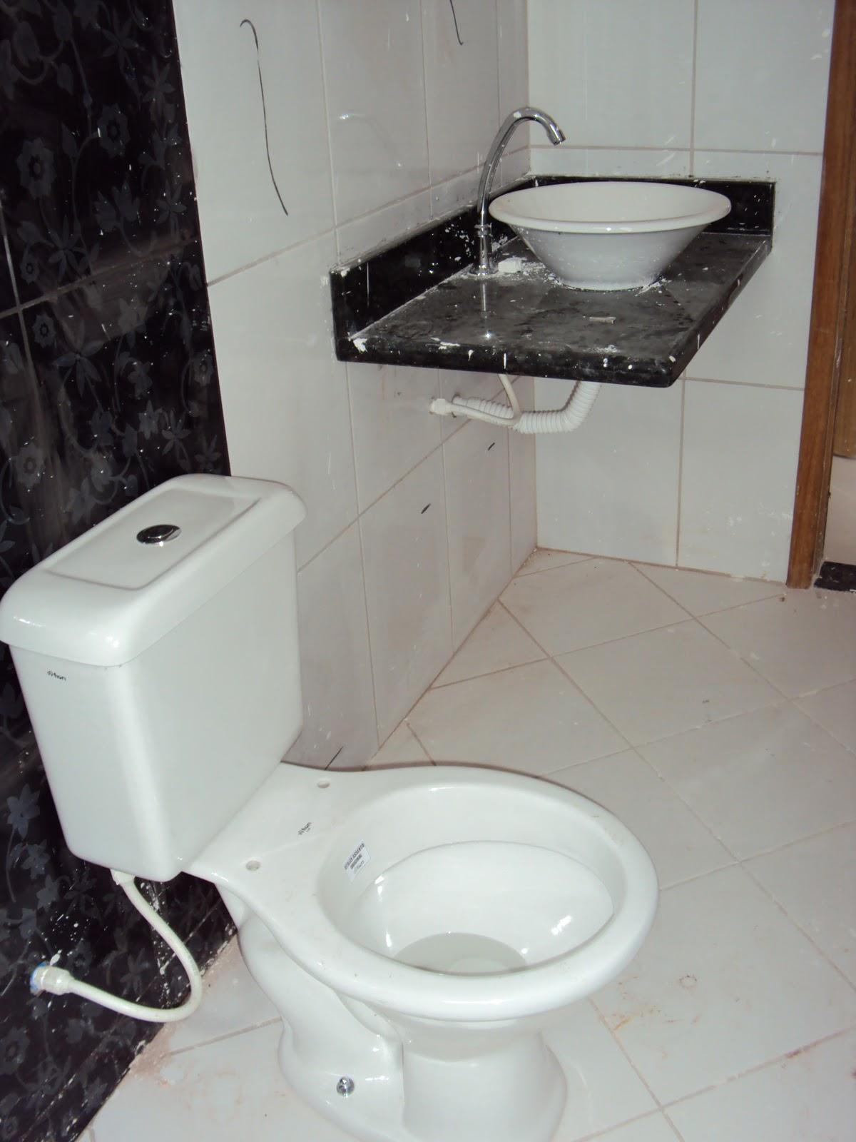Nosso Sonho Nossa Casa: Boas Pia e vaso sanitario instalados #603C28 1200x1600 Banheiro Com Vaso Sanitario Azul