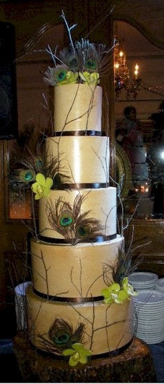 Peacock Feathers Wedding Now that 39s what I call a cake