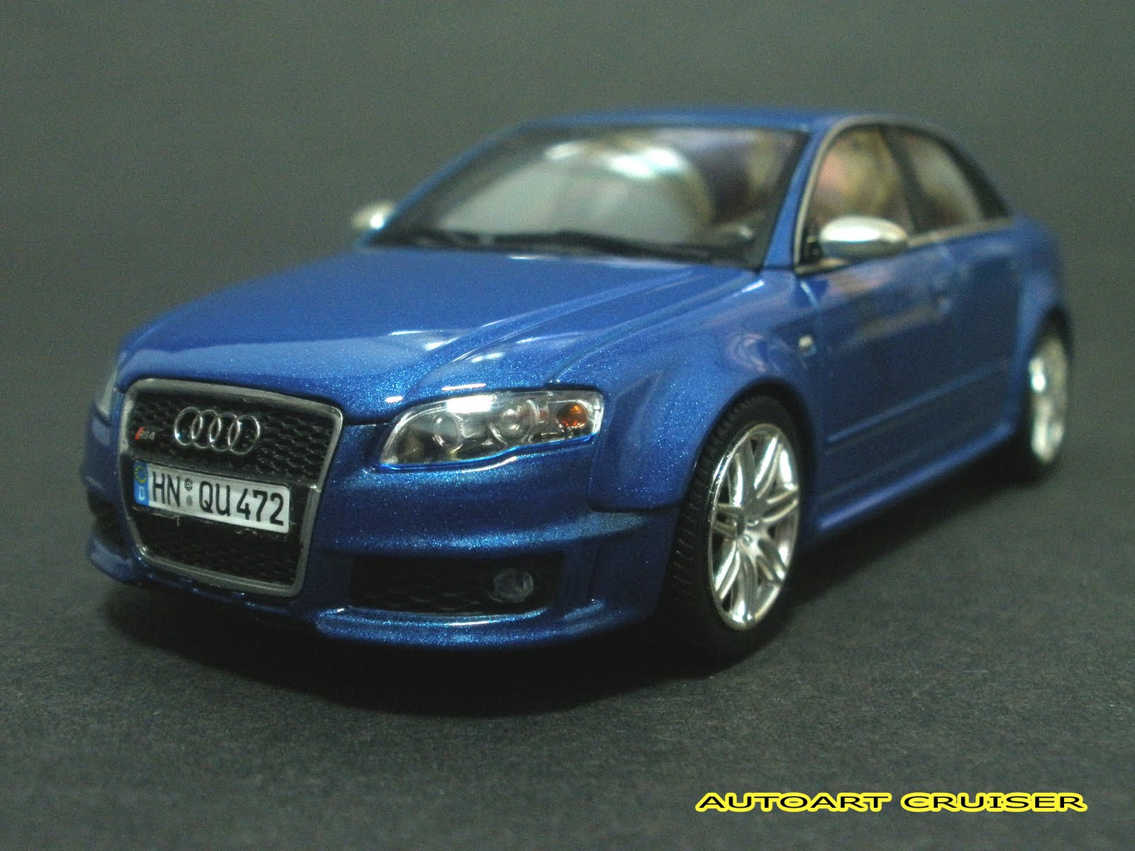 Autoart Cruiser My Collection For Minichamps Audi RS Sport Sedan - 2005 audi rs4