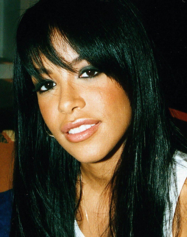 http://3.bp.blogspot.com/_fcbF-tBXOU4/THX_qFXPolI/AAAAAAAAC94/M9AOnQorRZQ/s1600/Aaliyah.jpg