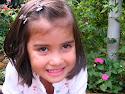 Mariana,  linda brasiliense, filha da prima Adê!!