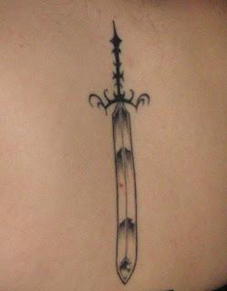 kılıç dövme modelleri