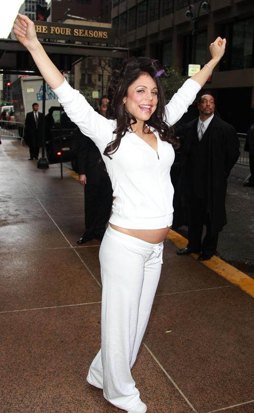 bethenny frankel pregnant bikini. wallpaper Bethenny Frankel