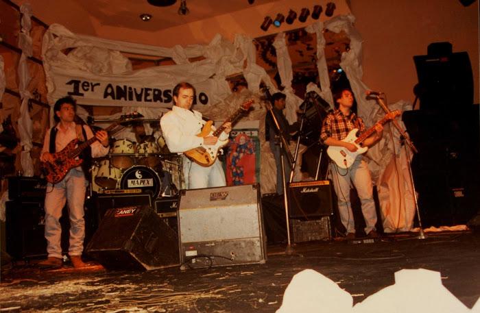 La Escalera de Jacob. Debut en directo. Discoteca Iguazú, I Aniversario Lugo Cultural, 1995: