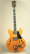 Gibson ES-335 (Electric Spanish) de 1959 con vibrato Bigsby: