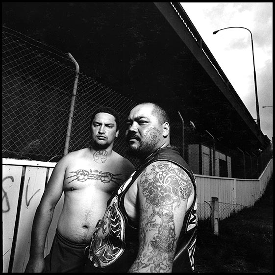 Mau Moko : The World of Maori Tattoo - Te Awekotuku Ngahuia with Linda