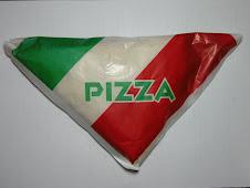 イタリア風だけどイタリアには売ってなさそうなピザ