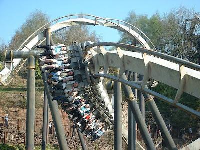 Rollercoaster Terbaik di Dunia