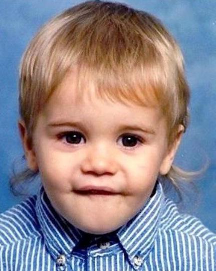 Justin Bieber Fan Blog: Justin Bieber Biography